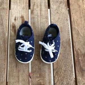 Carter's 9-12 month soft bottom shoes